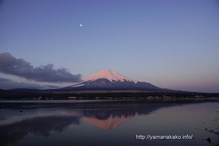 今朝も薄ピンクの富士山
