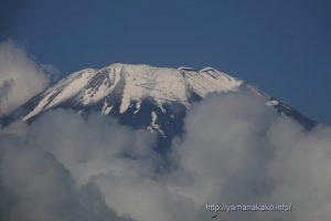 富士山頂は今日も白い